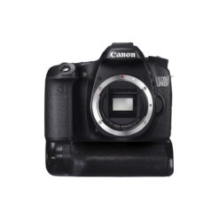 Canon EOS 70D DSLR Body w/ Battery Grip